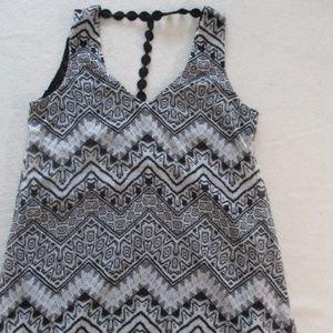 Women Dress City Triangles L white sleeveless
